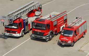 الدفع بـ11 سيارة إطفاء للسيطرة على حريق هائل بالمنطقة الصناعية الثانية ببرج العرب