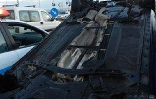 إصابة 12 شخصًا في حادث انقلاب سيارة ميكروباص جنوب الأقصر
