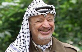 في ذكرى رحيله..  ياسر عرفات رمز النضال الفلسطيني صاحب البندقية وغصن الزيتون | صور