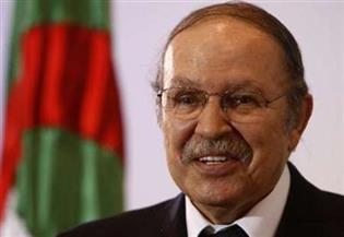 احتجاجات بالعاصمة الجزائرية ووقف خدمات المترو والقطار