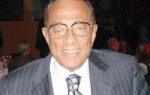 حسين سالم يٌقلد مبارك أسبانيا