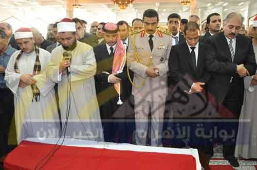 بالصور.. زحام جنازة الجوهري.. ورئيس 2012-634823766709422694-942.jpg