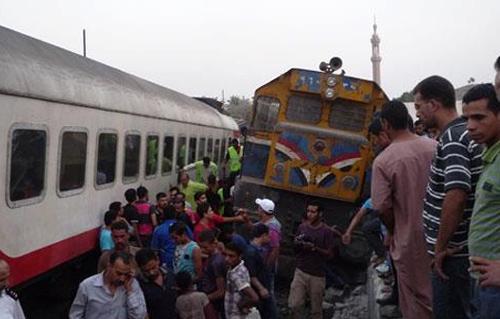 تفاصيل واسباب حادث قطار البدرشين الذي اودي بحياة 19 واصابة 107 مجند