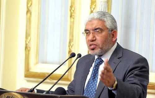 الدكتور حاتم عبد اللطيف، وزير النقل