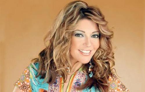 سميرة سعيد تتصدر تويتر بـ سوبر مان  -