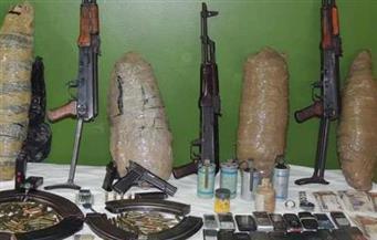 ضبط عاطلين بحوزتهما أسلحة نارية ومواد مخدرة بأسوان