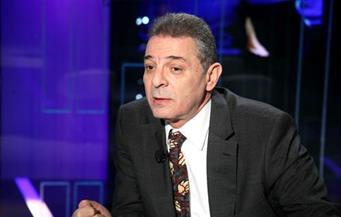 """محمود حميدة يشيد بأبطال """"الشقة"""" على مسرح النهار.. ومد العرض٣ ليالٍ"""