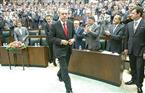 تركيا تفصل أكثر من 2700 شخص يعملون في مؤسسات عامة