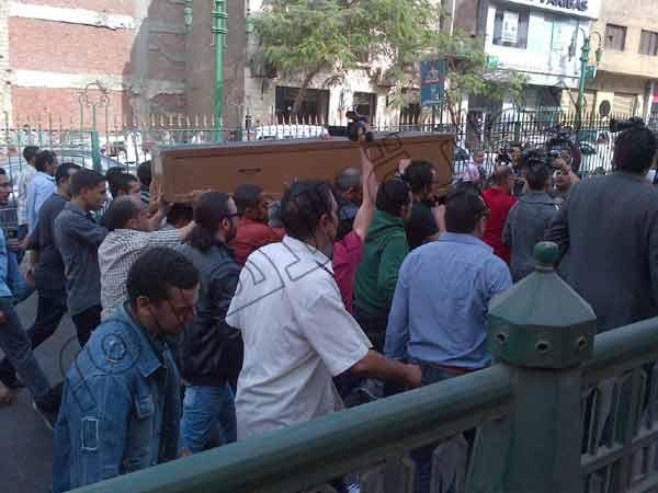 2013 635216701694433870 443 بالصور جنازة الفاجومي احمد فؤاد نجم اليوم 3 12 2013