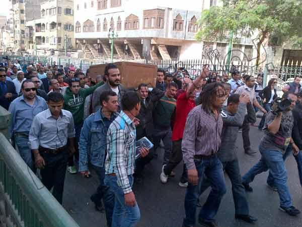 2013 635216701695837852 583 بالصور جنازة الفاجومي احمد فؤاد نجم اليوم 3 12 2013