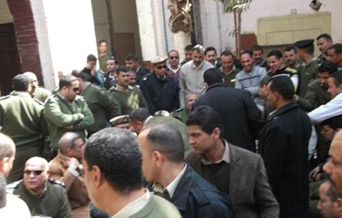 http://gate.ahram.org.eg/Media/News/2013/2/27/2013-634975740968428699-842_main.jpg