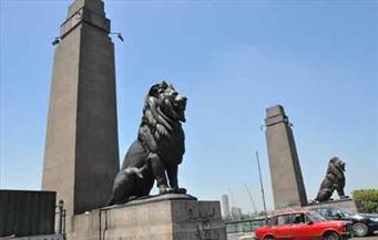 تعديل الحواجز الحديدية لأسود كوبري قصر النيل ورفع مخالفات شوارع  حي غرب القاهرة