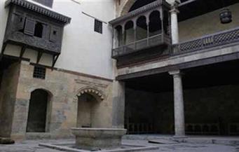"""""""مبادئ فن الزخرفة الإسلامية"""" في ورشة ببيت السناري"""