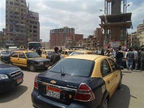 رئيس مدينة المحلة يطالب بوضع تصور مرورى جديد ومواجهة ظاهرة تقسيم الخطوط