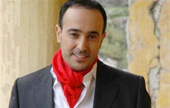 """إذاعة """"صوت بيروت"""" توقف بث أغاني صابر الرباعي بعد نشر صورته مع ضابط إسرائيلي"""
