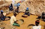 مقتل 3 عمال وحصار 10 بعد انهيار منجم ذهب في السودان