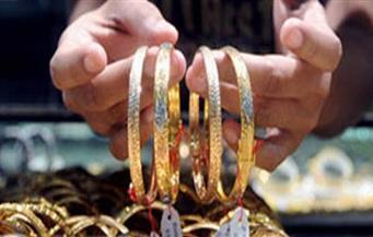 ضبط مالك محل مجوهرات للاتجار في النقد الأجنبي والمشغولات الذهبية المهربة