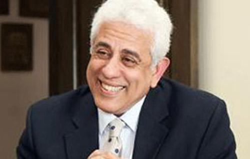 حسام بدراوي:  مشكلتنا في علاج العرض وليس المرض .. وأميتنا 30% -