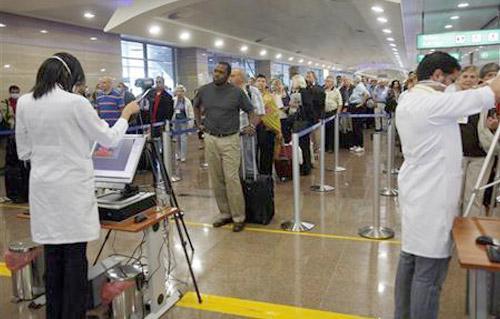 طوارئ بمطار القاهرة للكشف عن مرض  ماربورج  بين القادمين من أوغندا