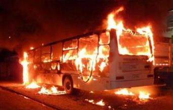 السيطرة على حريق بأتوبيس سياحى أعلى الدائرى.. وكثافات مرورية بالطريق