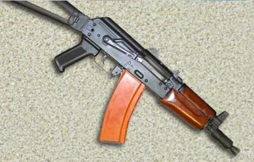 ضبط بندقيتين آليتين بمركز منفلوط في حملة علي عائلتي حفناوي وحمد