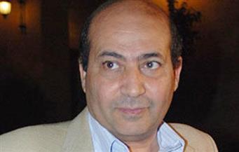 """طارق الشناوي: منى زكي ممتعة وعادل إمام النجم الأول.. وباسم سمرة """"مزعج"""""""