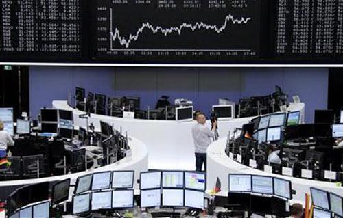 أرباح الشركات وهبوط اليورو يدفعان الأسهم الأوروبية للصعود -