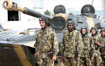 الجيش الجزائري يدعو إلى التحلي بالمسئولية لإيجاد حلول للأزمة السياسية