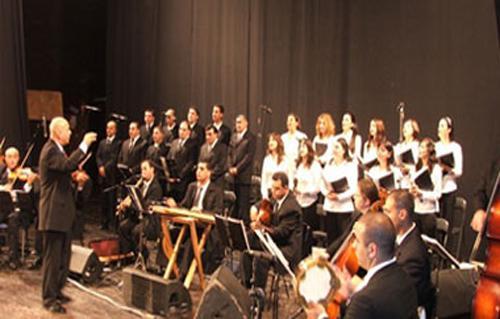 اليوم الفرنسية باتريشيا تعزف الموسيقى العالمية في بيت السحيمي بوابة الأهرام