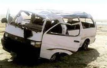 مصرع 4 مواطنين وإصابة 10 في انقلاب سيارة ميكروباص بالطريق الإقليمي بالفيوم