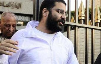 """""""النقض"""" تستبدل عقوبة السجن المشدد 5 سنوات لعلاء عبد الفتاح للحبس"""