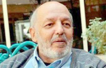 """""""دار الكتب والوثائق القومية"""" تعلن اليوم حدادًا على رحيل المخرج محمد خان"""