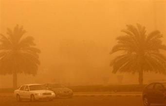 الرمال زحفت على الطرق.. استمرار الطقس السيئ في شمال سيناء لليوم الثاني على التوالي