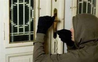 """كاميرات المراقبة و""""النقاب"""" يكشفان سرقة عاطل نصف مليون جنيه"""