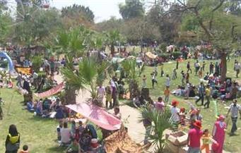 المقاصد السياحية والآبار الجوفية تستقبل مئات من سكان الوادي الجديد في شم النسيم