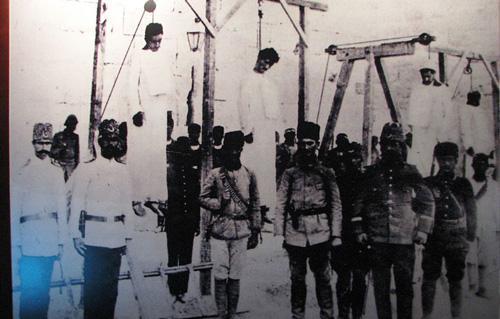 أرمن مصر يحيون الذكرى الـ لمذابح أجدادهم على يد الأتراك