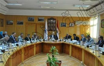 اجتماع لجنة المختبرات والمنشآت بجامعة كفرالشيخ لبحث استكمال المستشفى الجامعي