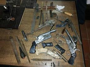 ضبط 4 قطع سلاح و28 طلقة نارية خلال استهداف المتورطين فى خصومات ثأرية بأسيوط