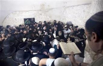 """مستوطنون يهود يقتحمون """"قبر يوسف"""" شرقي نابلس لأداء طقوس تلمودية"""