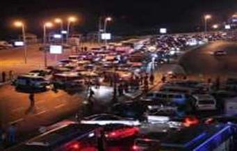 شلل مروري على محور 26 يوليو جراء تصادم 5 سيارات وإصابة شخصين