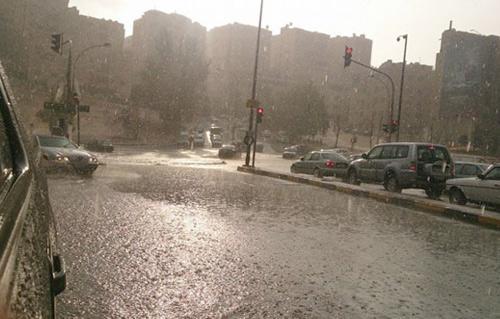 أمطار رعدية غزيرة على شمال سيناء وانخفاض في درجات الحرارة -