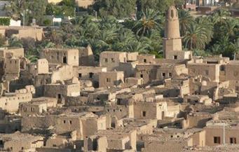 """""""القصر"""" قرية جمعت بين فنون العمارة وعصور التاريخ المصري في الصحراء الغربية"""