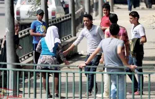 ضبط 12 شخصا حاولوا التحرش بطالبات أمام مدارس إمبابة -