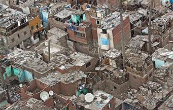 لجنة تطوير العشوائيات تتابع أعمال الصرف الصحي بمنطقة الأميرية في الزاوية الحمراء