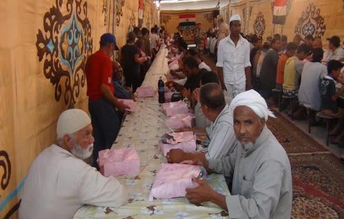 ننشر أماكنها القوات المسلحة تقيم  مائدة رمضانية لإفطار الصائمين بجميع المحافظات