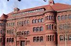 جامعة جونز هوبكينز الأمريكية في موقف حرج