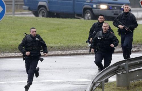 أكاديمي المعركة مع الإرهاب فكرية وأمنية  | فيديو