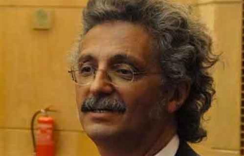 فوز حسين خيري بمقعد نقيب الأطباء بفارق 2000 صوت عن أقرب منافسيه -