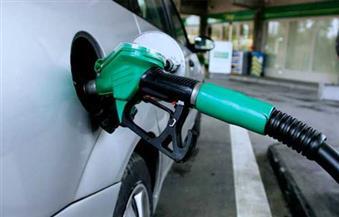 رئيس حي شرق مدينة نصر يتفقد محطات تموين الوقود للتأكد من خفض الأسعار