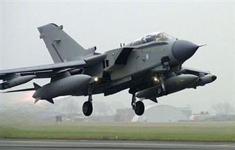 طائرات حربية سورية تقلع من قاعدة الشعيرات بعد ساعات من القصف الأمريكي
